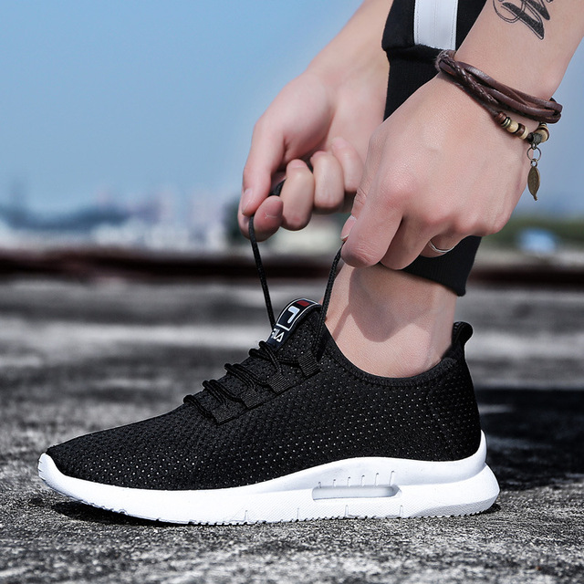 Running Shoes for Men 2018 Summer New Men Sneakers Lace Up Low Top Jogging Shoes Man Athletic Footwear Breathable Sale C8085