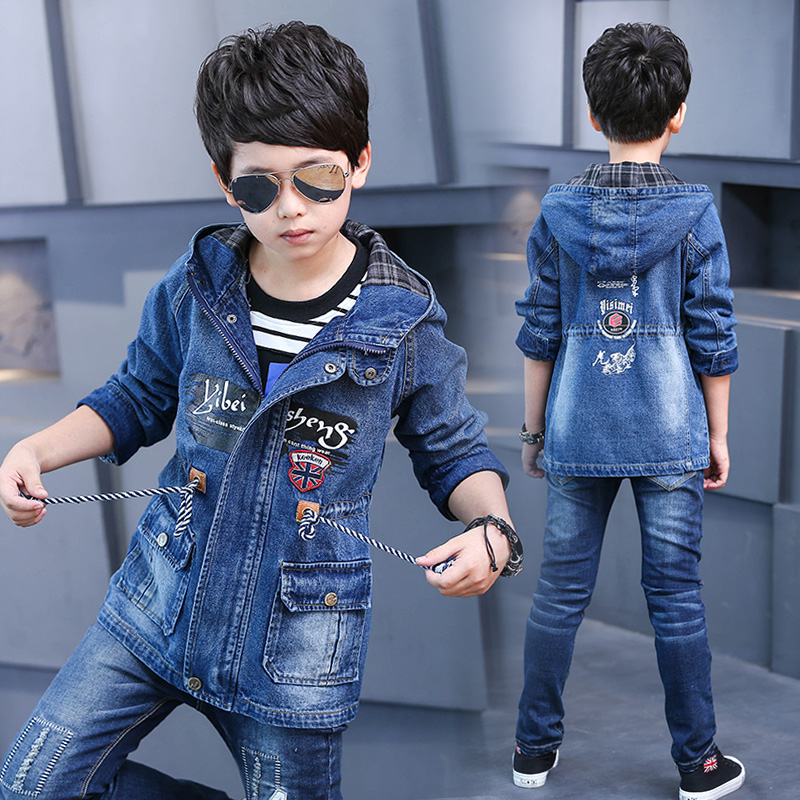 все цены на Teenage Boys Denim Jacket Kids Boys Outerwear Coat 2018 New Spring Fall Casual Top Boys Letter Print Hooded Jacket
