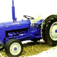 Универсальный хобби 1/16 Fordson Супер Dexta дизель 2000 США Версия трактора UH2902