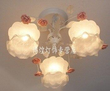 Ogród w stylu europejskim salon romantyczne restauracje biały kutego żelaza różowe kwiaty ceramiczne szklany klosz lampy sufitowe c133