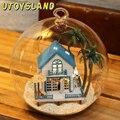 UTOYSLAND Mar de Amor Romântico Em Miniatura Casa De Madeira DIY Brinquedo 3D Casa de bonecas de Controle de Voz LEVOU Cristal De Luz Bola De Vidro Crianças brinquedos