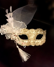 Simple and gorgeous retro High-end Venice mask  black lace Halloween beauty princess Christmas