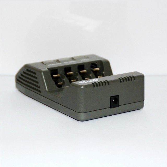 Original Opus BT-C700 NiCd NiMh LCD Digital Intelligent AAA 16340 RCR123 14500 AA 4 Slots Battery Charger EU US Adapter