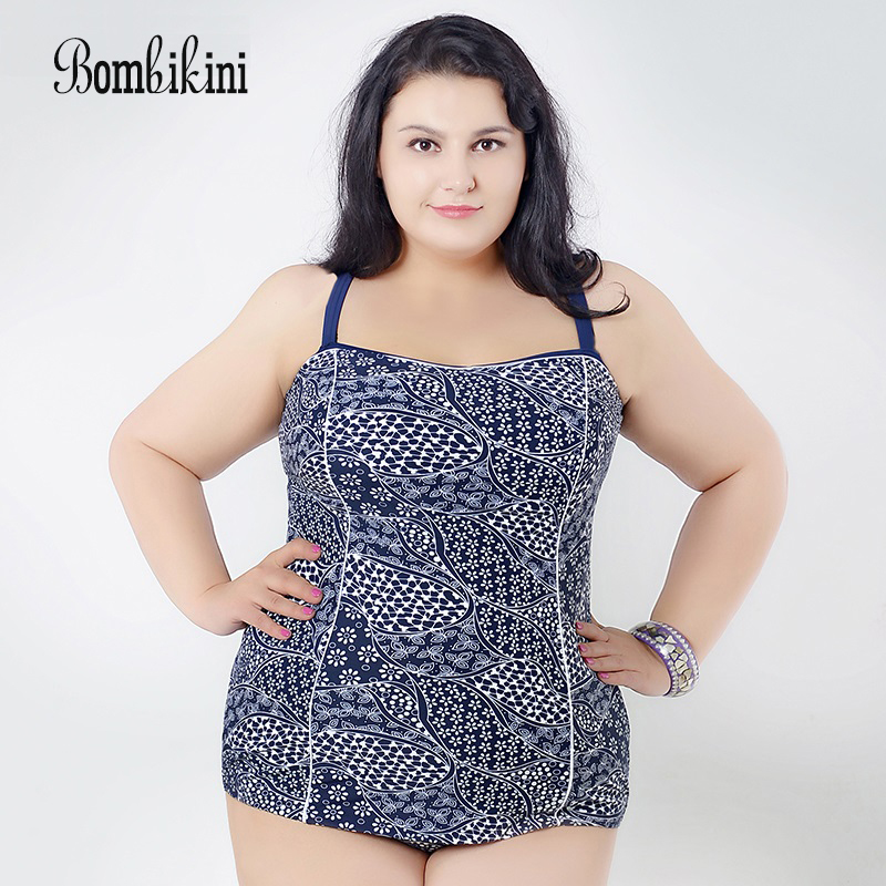 Large size swimwear 2017 new One-piece bathing suit ,Siamese style swimsuit beautiful The retro style women one piece triangle swimsuit cover up sexy v neck strappy swimwear dot dress pleated skirt large size bathing suit 2017
