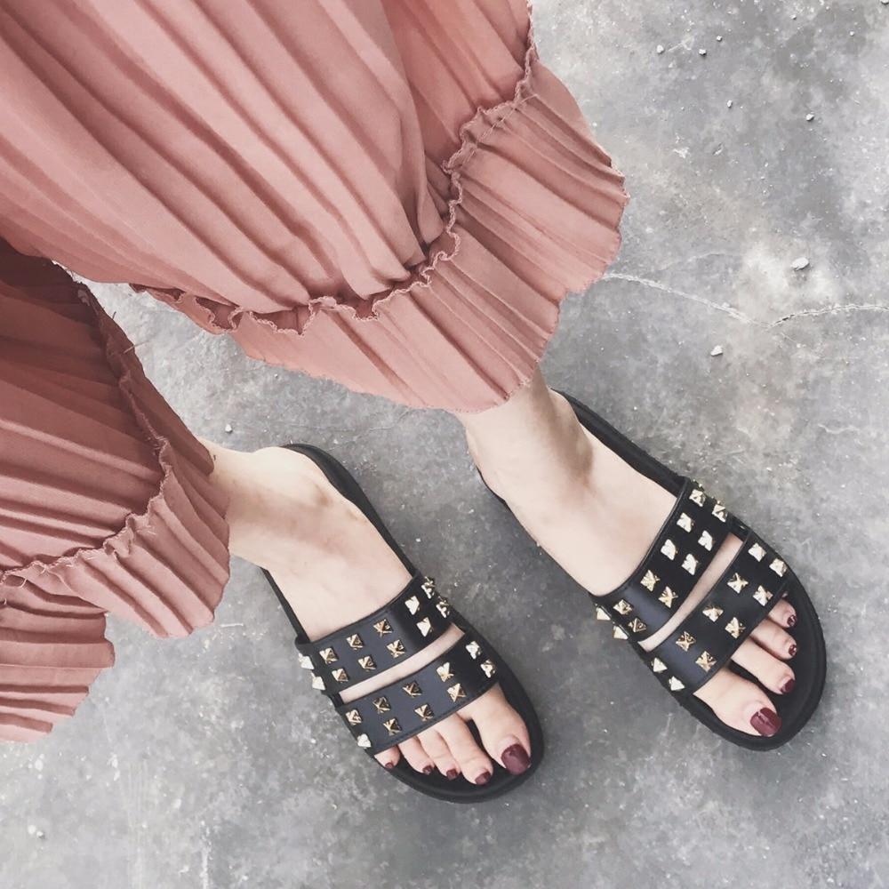 Mazefeng Лето Направляющие модная обувь на платформе Для женщин Повседневные шлепанцы с заклепками Дамы открытый Шлёпанцы для женщин Туфли без...
