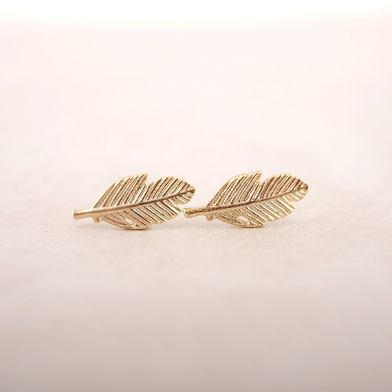 2017 Vintage Jewelry Modern Beautiful Feather Stud Earrings for Women Classic Stud Earrings Gold Leaf Party Earrings Gifts E038