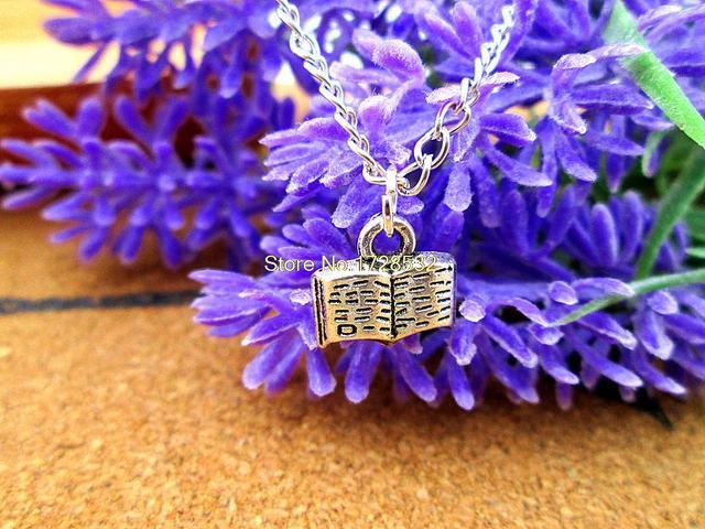 Moda inaugurado livro pingentes encantos 10 x 10 mm tibetano tom de prata colar pingente