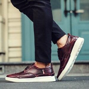 Image 4 - 2018 dos homens de alta qualidade couro sapatos casuais sapatos masculinos brogue mocassins moda tênis