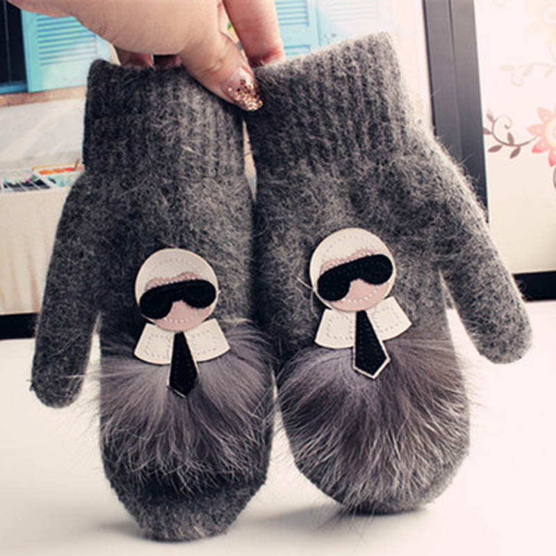 2019 Fashion Novelty Gloves Transvestite Leather Master Scorpion Hair Real Hair Rabbit Fur Mittens Blend Embroidery Flowers Big
