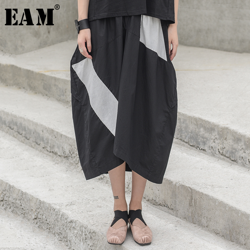 [EAM] 2020 New Spring Summer High Elastic Waist Black White Split Joint Hit Color Half-body Skirt Women Fashion Tide JW528