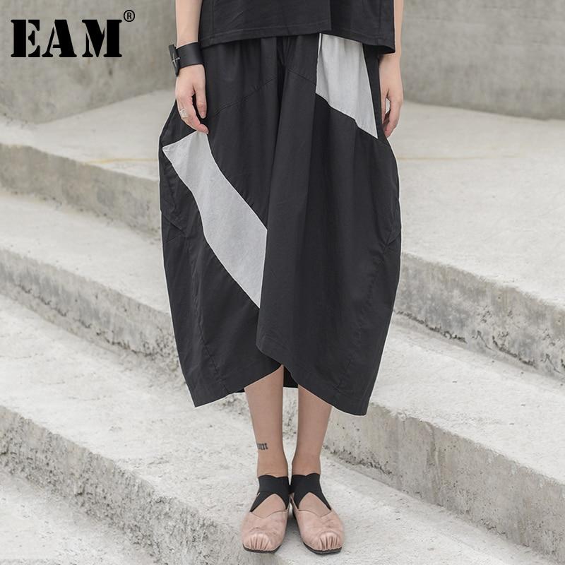 [EAM] 2020 New Spring Summer High Elastic Waist Black White Split Joint Hit Color Half-body Skirt Women Fashion Tide JW528