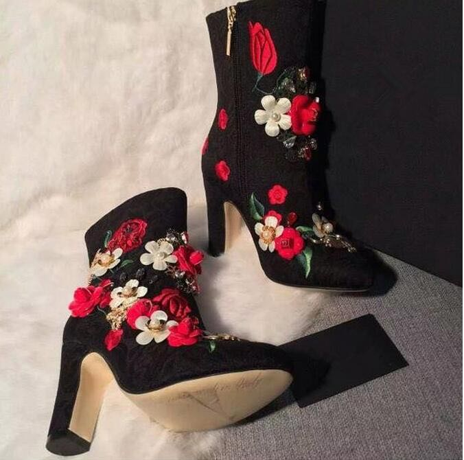 все цены на Sestito 2018 Ladies 3D Flower Embellished Side Zipper Ankle Boots Woman Round Toe Chunky Heels Bling Crystal Dress Runway Shoes