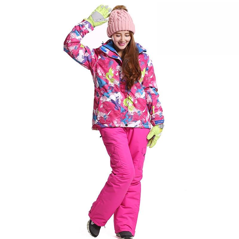 Prix pour Classique Femmes Étanche combinaison de Ski Snowboard Veste Femme Ski Pantalon de Neige D'hiver Vestes En Plein Air Femmes Manteaux de Ski Ensemble