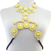 Fashion Women Summer Beach Leather Chain Charm Sexy Body Chain Resin Flower Crystal Rhinestone Necklace For