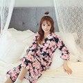 A nova moda simples e confortável robe kimonos cereja vermelho rosa preto rosa mesmo código
