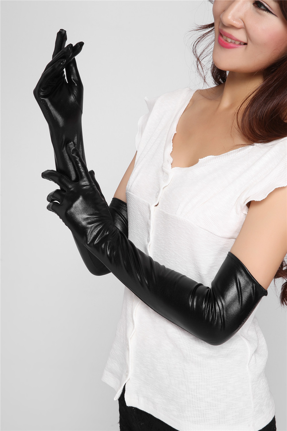 Sexy leather gloves