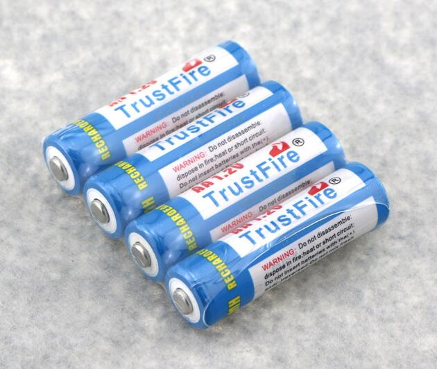 4pcs/lot Trustfire AA 2700mAh NI-MH 1.2V Rechargeable Battery For Toys MP3 Camera With Package Case Size 5 AA Batteries