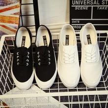 2017 Women's Vulcanize Shoes feminine low canvas footwear ladies vogue breathable white fabric informal footwear stable footwear black white