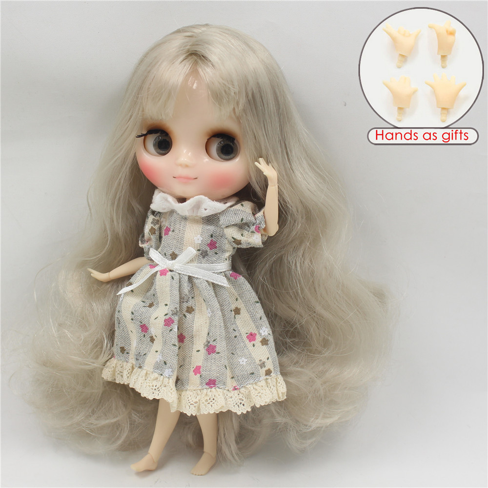 Middie Blythe Doll Grey White Hair Jointed Body 20cm 2