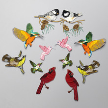 Europe Hot Sale Beautiful Green Pink Yellow Bird Patches Embroidered Iron On Patch For Clothing Sticker Coat Badge