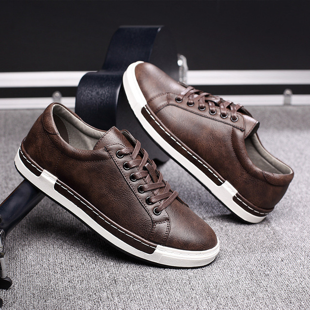 621ec545b8c 2018 European cool men shoes breathable light casual adults casual shoes  Spring/Autumn solid high quality sneakers man