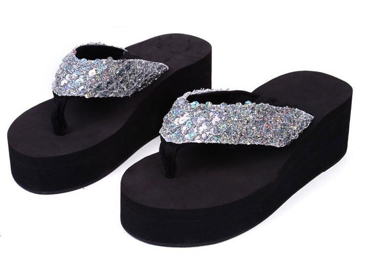 Cool in the summer of 2015 fashion slippers high platform with sponge antiskid slippers with sequins wedges beach flip-flops lanshulan bling glitters slippers 2017 summer flip flops platform shoes woman creepers slip on flats casual wedges gold