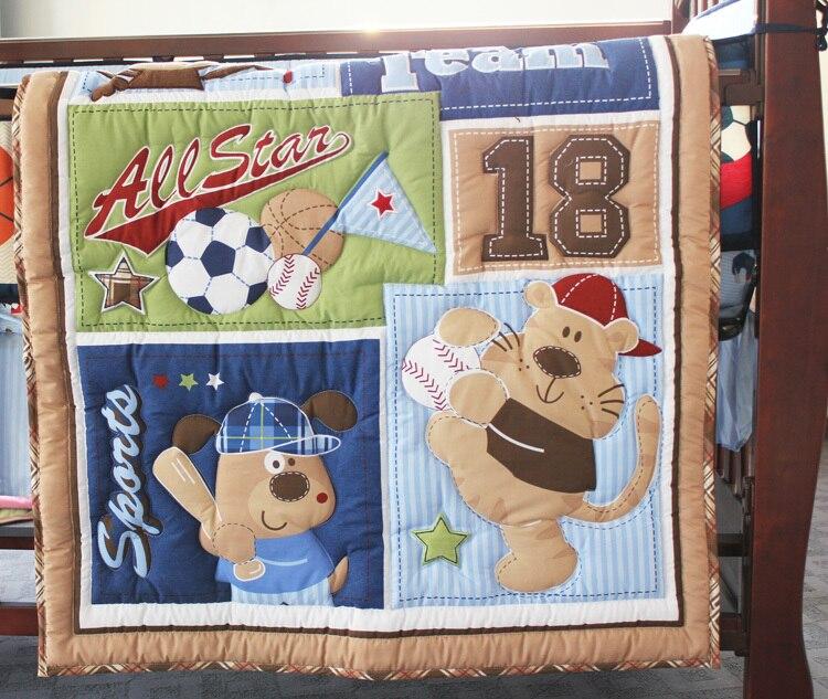 Giol мне num Ѕейсбол Star ¬ышивка рестом артины для маленьких мальчиков ѕостельные принадлежности ћягкий 4-6 предметов ?етские —тЄганое одеяло/бампер/роватные подзоры/ чехол для матраса/пеленки мешок/Ндеяло
