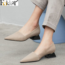 купить Eokkar 2019 Pointed Toe Women Shoes Strange Style Women Pumps Cow+PU Leather Square Med Heels Black Ladies Shoes Large Size34-43 по цене 2437.9 рублей