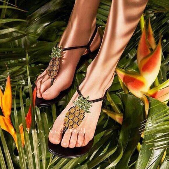 Здесь можно купить  2018 Hot Fashion Summer Beach Comfortable Flats Flip Flops Women Sandals T-strappy Pineapple Crystal Studs Shoes Woman  Обувь