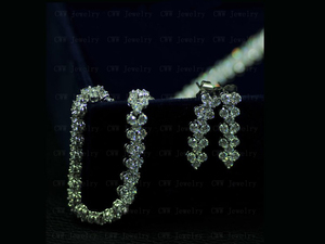Image 3 - CWWZircons High Quality Rome Design 234 pcs Round White AAA+ Cubic Zirconia Stones Pave Chain Link Necklace CP007
