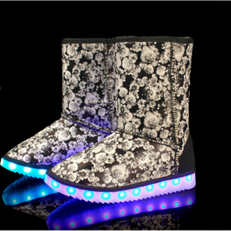 ФОТО LED Shoes ugs woman snow boots  Light Up Luminous high top shoes warm boots plush winter Superstar colorful Casual Hot Fashion