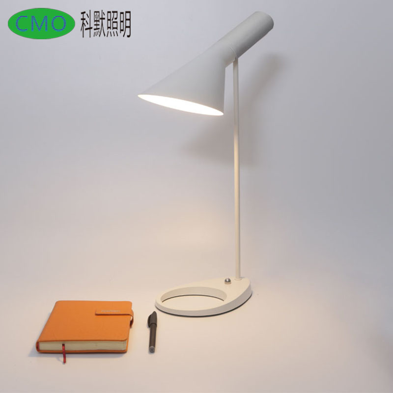 цены Loft brief Replica Louis Poulsen Arne Jacobsen Table lamp Black/White Europe AJ Desk Lamp Cafe Aisle Hall read Lamp E27 bulb