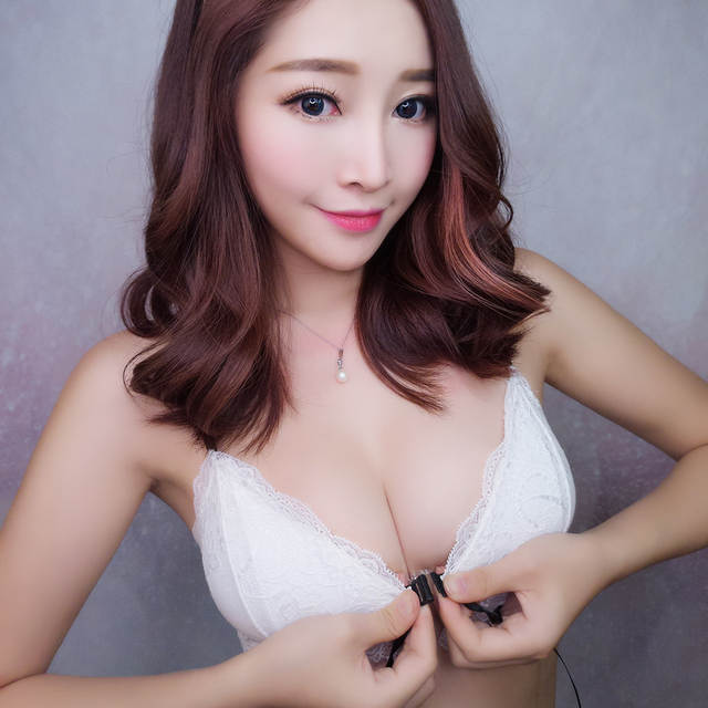 0b63d907db placeholder MINGMO 2018 China Hot Sexy Lingerie Wholesale Front Closure Bra  Set Wire Free Transparent Small Girls