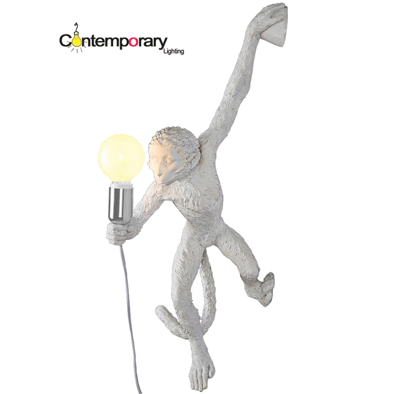 Lampara de pared Kitsch quirky Simple Art Nordic White Replicas Resin Hanging Monkey Wall Lamp for Bedroom Led Wall Light цена