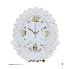 68e80774bc3a Creativo europea de lujo Reloj de pared Vintage Cisne diamante pintura  habitación Reloj de pared dormitorio