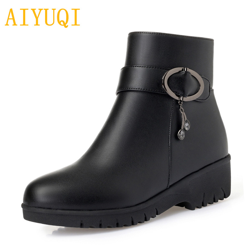 AIYUQI Female flat boots 2019 new leather female snow boots thick wool mother winter shoes size 41 42 43 female Martin boots in Mid Calf Boots from Shoes