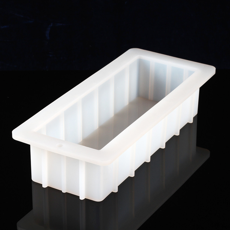Image 3 - Soap Silicone Mold with Transparent Vertical Acrylic Clapboard 