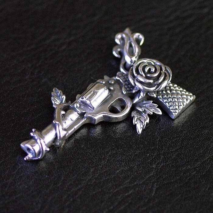 925 sterling silver Pistol with roses retro Thai silver pendants silver head piston wrench skeleton personality pendants thai silver retro locomotive style pendants