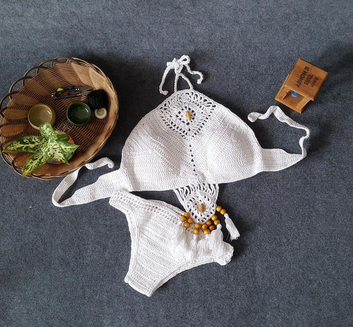 2018 Knitting Swimsuit Crochet Bikini Set Bohemia Style High Neck Bathing Suit Beachwear Low Waist Handmade Pads String Seawear fashion tortoise style handmade crochet knitting beanie hat clothes set for baby