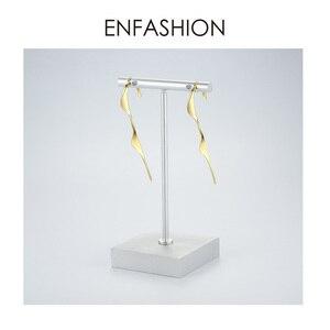 Image 5 - Enfashion Punk Wave Eenvoudige Stud Oorbellen Voor Vrouwen Goud Kleur Verklaring Geometrische Curve Oorbellen Mode sieraden Oorbellen EC1070