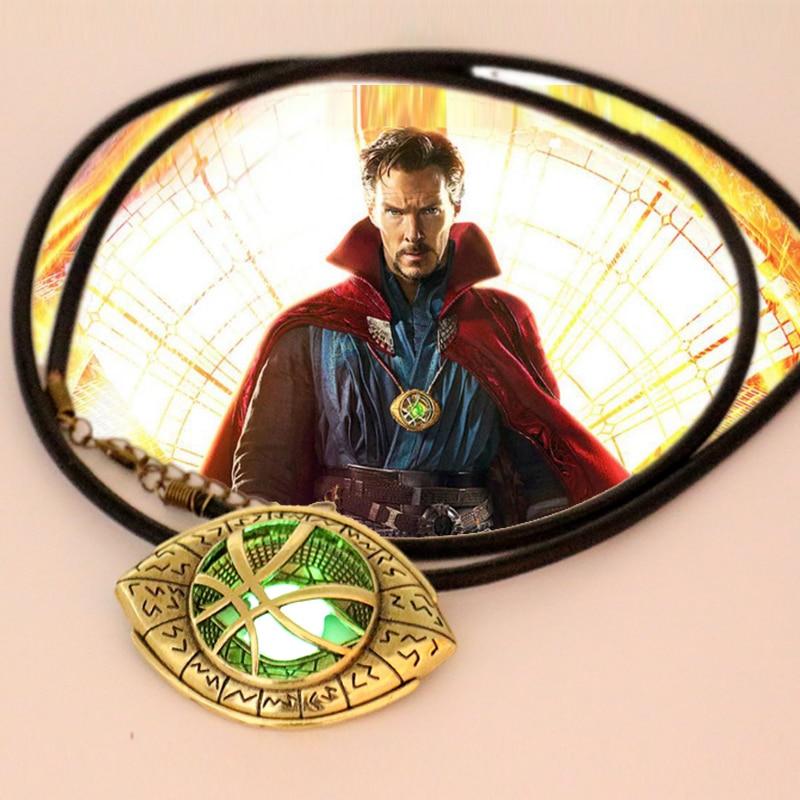 Doctor Strange Necklace Glow in Dark Eye Shape 6 cm * 4,3 cm Pendant Movie Doctor Strange Prop réplica Cosplay Constume Jewelry