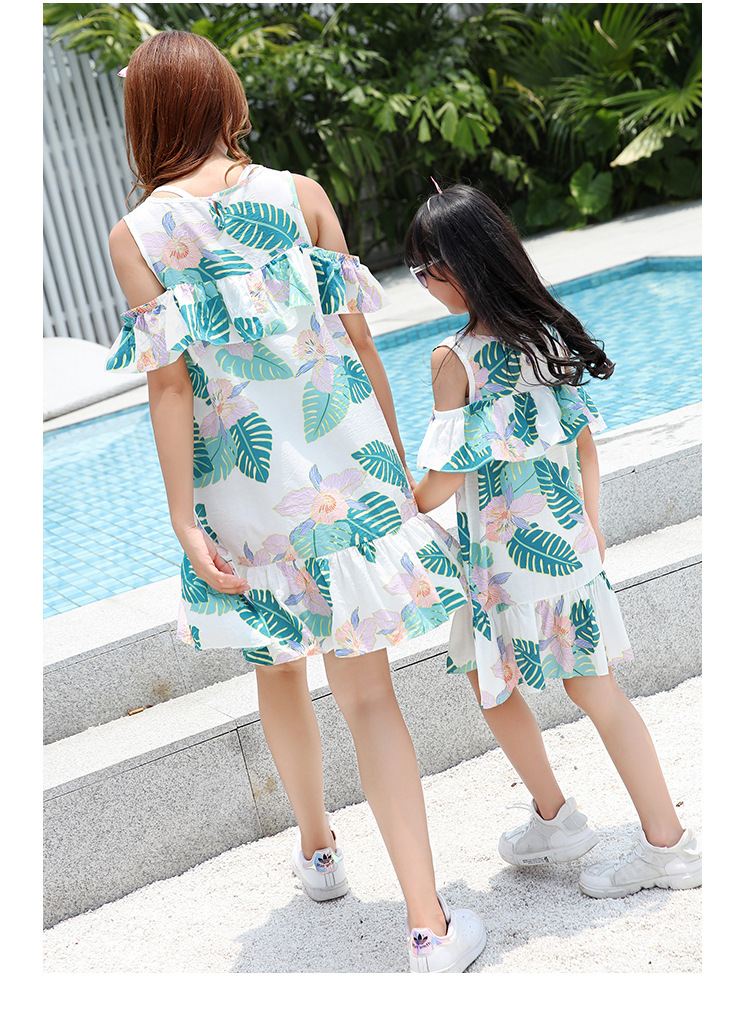 Ruffled Mother Daughter Dresses Family Look Mommy and Me Clothes Off Shoulder Mom and Girls Matching Outfits Dress Look Clothing in Matching Family Outfits from Mother Kids