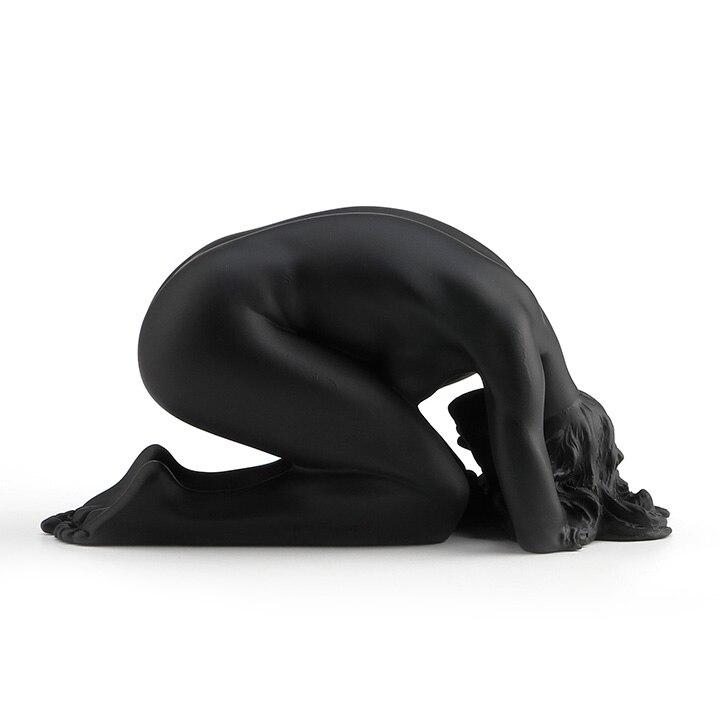 Incisione a mano Opere D'arte contemporanea femminile nudo artistico creativo resina scultura di decorazione decorazione morbido outfit Casa Furnishi