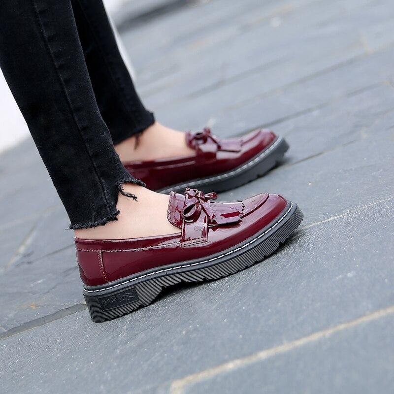 En Pu 2018 vin Single Vintage Taille Nouveau Noir La Goxpacer Laçage Plus Appartements Style Femmes Chaussures Britannique Gland Rouge Cuir Mode Verni Printemps HqIZ7p