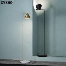 อิตาเลี่ยนNordicหรูหรายืนโคมไฟห้องนอนโมเดิร์นทองแนวตั้งโคมไฟสำหรับห้องนั่งเล่นตกแต่งบ้านแสง