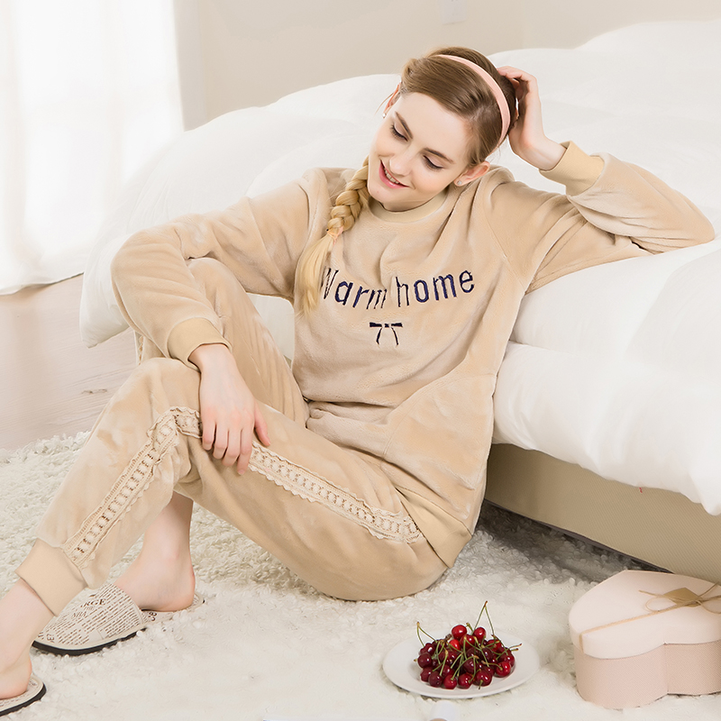 Qianxiu Pajamas Winter The New Style Winter 2016 New Flannel Popular Item Comfortable 16113