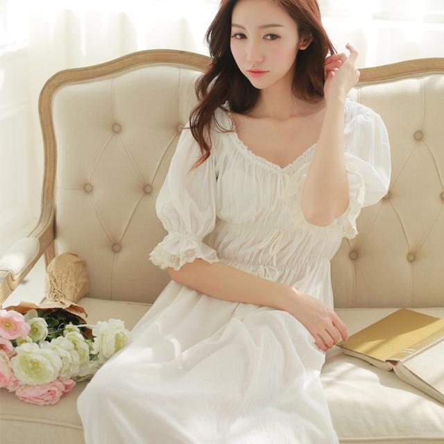 O Envio gratuito de Mulheres Camisolas de Algodão Puro Princesa s15001 Half-Manga Longa Pijama Sleepwear Branco Camisola Do Vintage