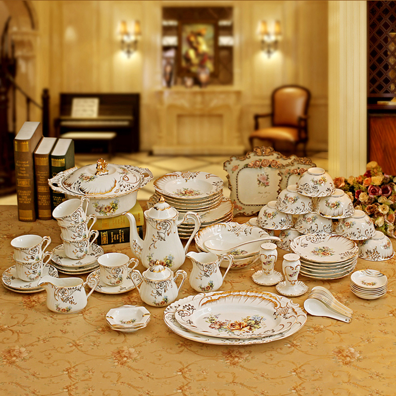 Porcelain Dinnerware Set Bone China Flower Design Embossed Outline In Gold 70pcs Sets Coffee Wedding Gifts From Home
