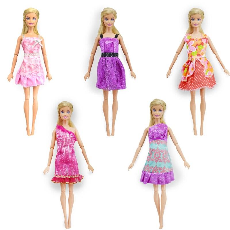 Al azar 10 piezas Mix Doll Outfit + 10 Par de zapatos de muñeca - Muñecas y accesorios - foto 2
