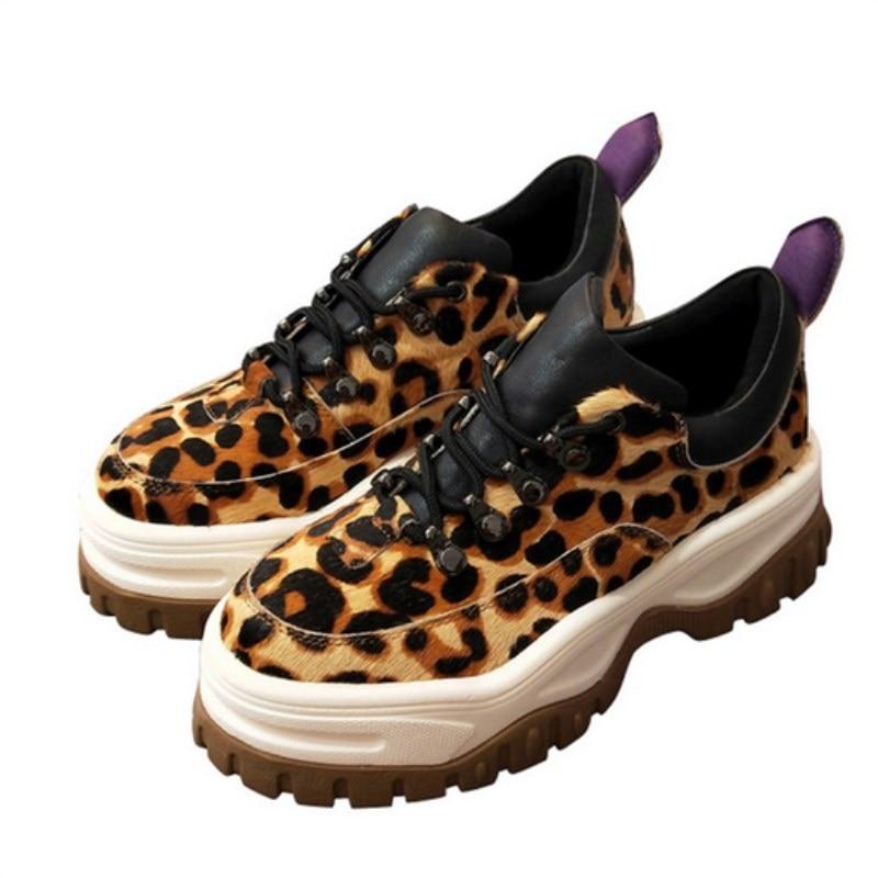 Nouveau cheval de léopard cheveux de mode plate-forme sport chaussures femelle tête ronde rivet cravate à semelles épaisses daim casual fond plat dames sho